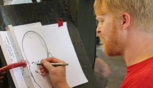 どこから描き始める?顔の描き順の基本はこれだ!マンガのキャラや似顔絵の描き方